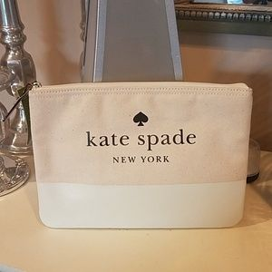 Authentic kate spade Pouch. New with tag